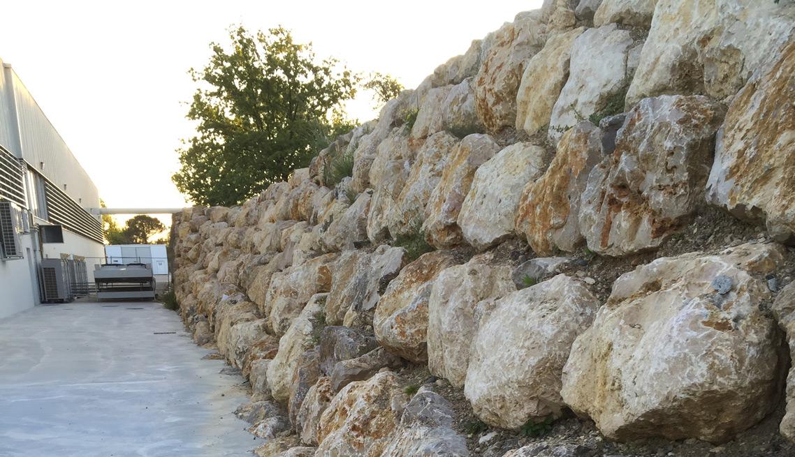 Enrochement montauban rochas tp for Enrochement paysager